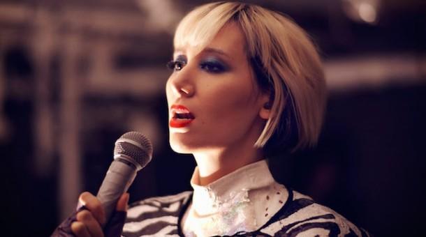 Karen O colabora con el artista italiano Daniele Luppi