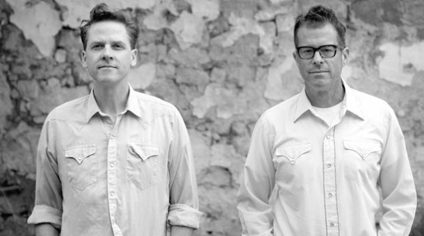 Calexico anuncia nuevo disco y comparte single: 'End Of The World With You'