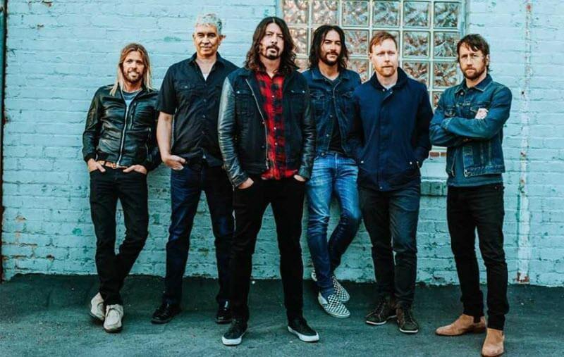 Foo Fighters (2017)