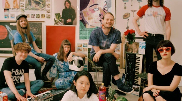 Superorganism estrena canción y videoclip: 'Reflections On A Screen'