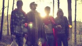 La Familia viene de estreno con su primer disco: 'Esto es normal'