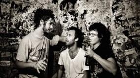 Vídeos de White Denim en Carson Daly – Street Joy y Anvil Everything