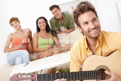 tocar guitarra ligar fiesta