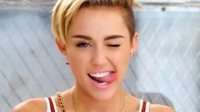 Miley Cyrus, publica fotos semi-desnuda haciendo topless en instagram