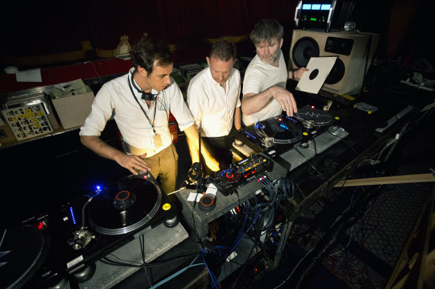 DESPACIO -James Murphy y 2manydjs