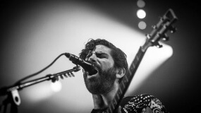 Foals estrena 'London Thunder'