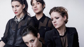 Savages versionan 'I Love You All The Time' de Eagles of Death Metal