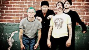 En directo: Concierto completo de Red Hot Chili Peppers en las pirámides de Giza