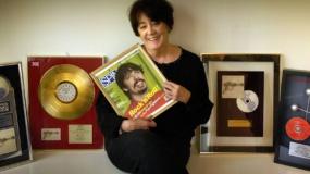 La madre de Dave Grohl entrevista a madres de otros artistas en un nuevo libro