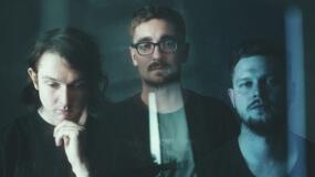 alt-J comparte un nuevo vídeo para el remix de 'In Cold Blood'