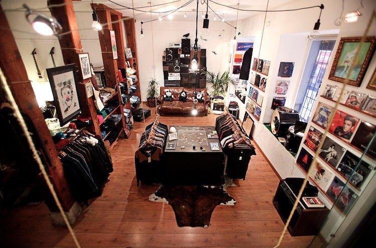 Cuervo Store (Holy Cuervo) - Tienda de discos en Madrid