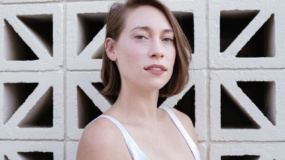 Anna Burch estrena videoclip para 'With You Every Day'