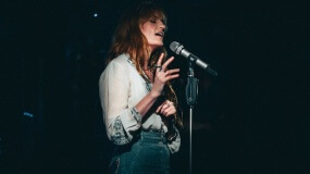 Florence and the Machine estrena 'Big God', un tema en el que colabora Jamie xx y Kamasi Washington