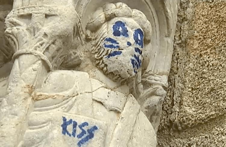 Pintada Kiss Santiago de Compostela